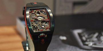 勁黑金橋、仿形機芯:Corum這兩款腕錶很不一樣!