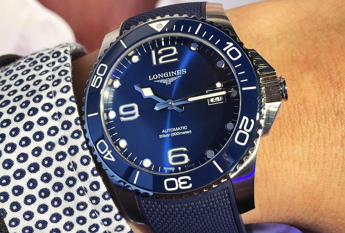 HydroConquest(藍面膠帶款),參考價NTD 51,900。