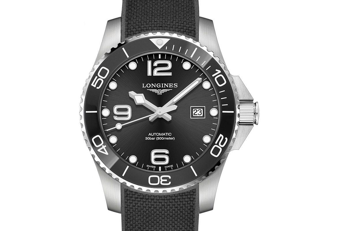 HydroConquest(黑面膠帶款),參考價NTD 51,900。