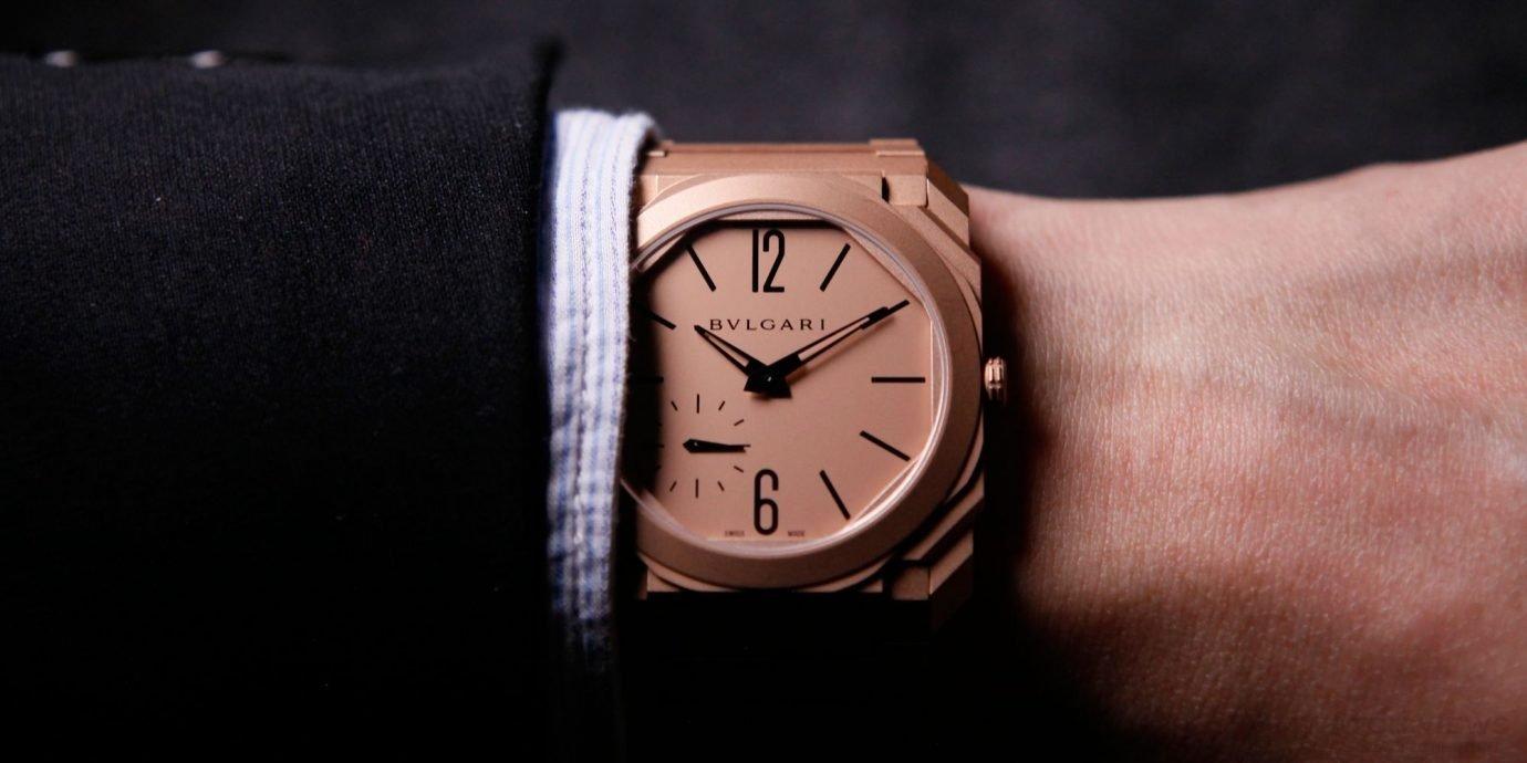 有些藝術,戴在袖口剛好!寶格麗Octo Finissimo超薄自動噴砂腕錶