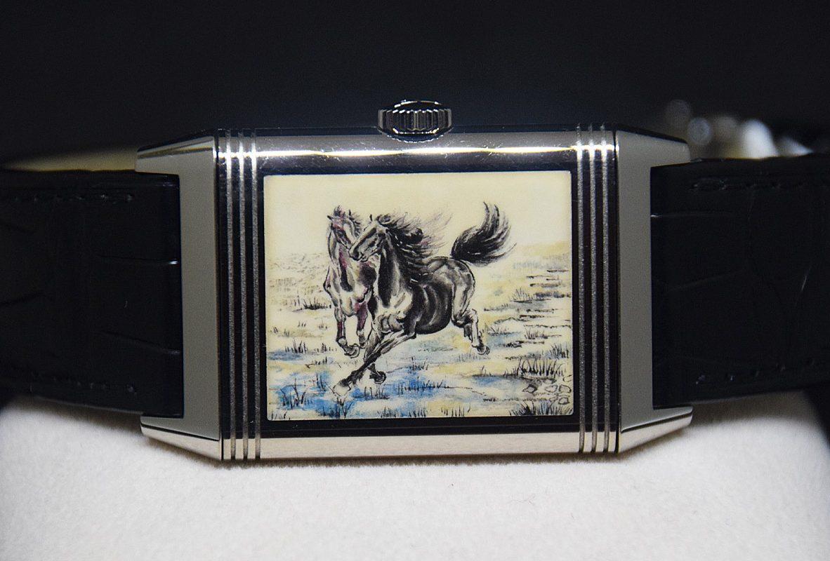 翻轉系列琺瑯腕錶《春山十駿圖》,限量8只,參考售價NTD 2,700,000。