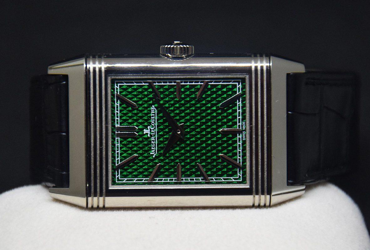 翻轉系列琺瑯腕錶《大碗島的星期天下午》正面。