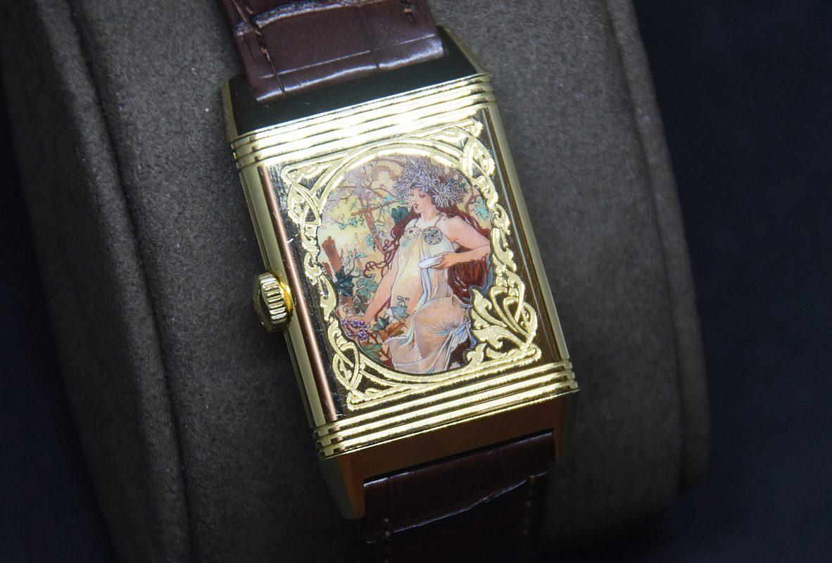 翻轉系列琺瑯腕錶《四季-秋》,黃金錶殼,限量8只,參考售價 3,080,000。