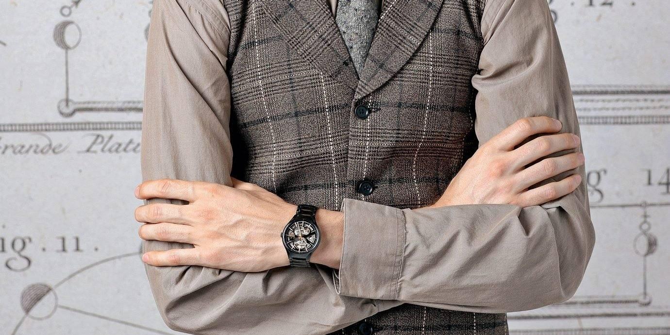 鏤空之美、精準之最、材質之選:Rado瑞士雷達表推薦歲末年終購錶指南