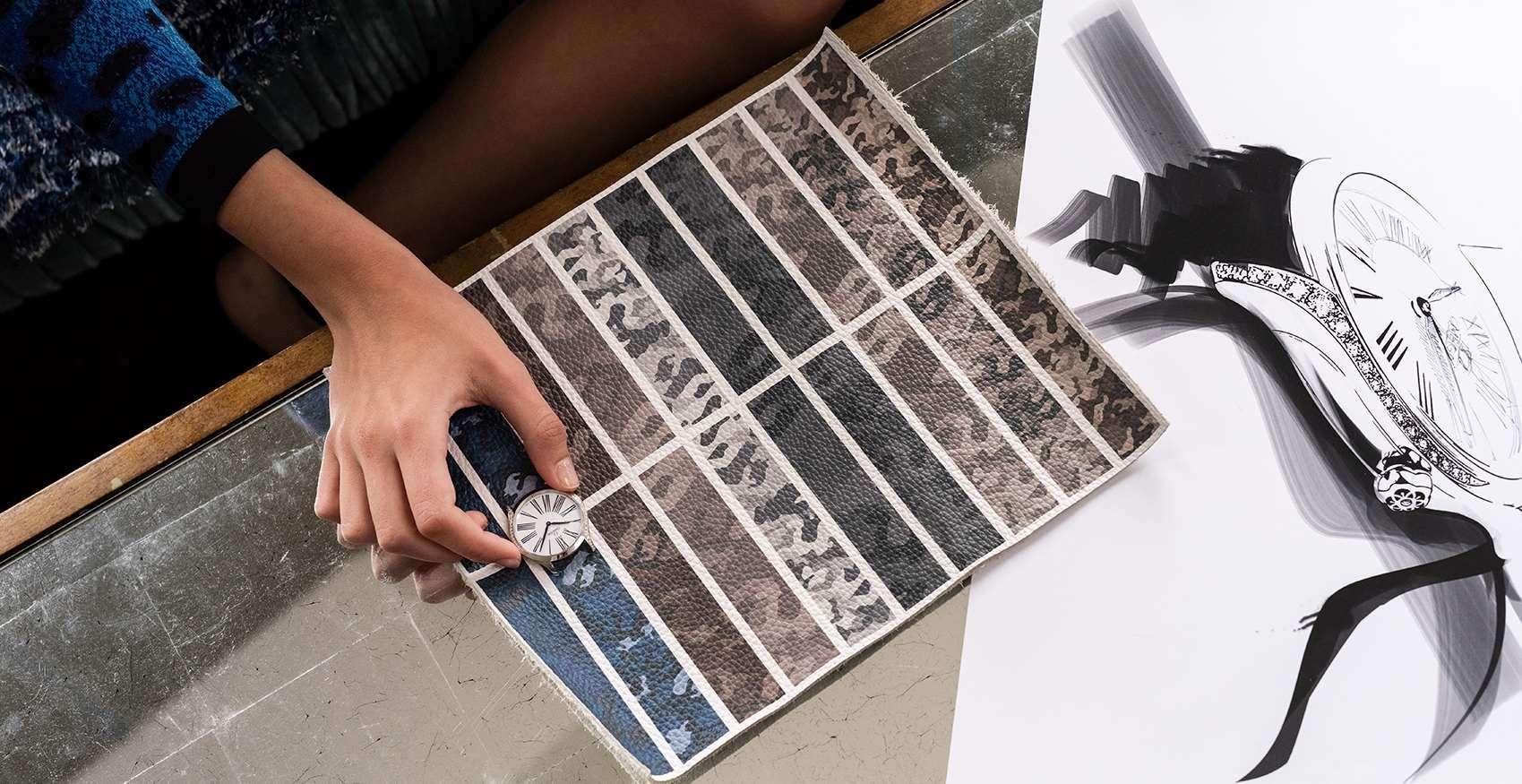 年度風雲模特兒Kaia Gerber帶著迷彩風格躍上伸展台,為碟飛Trésor腕錶打造兩款全新錶帶