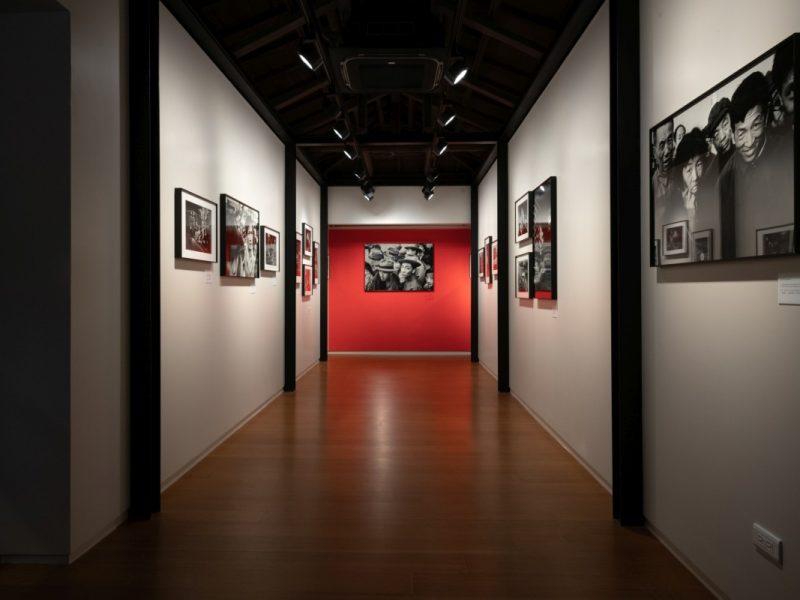 台北徠卡之家藝廊,圖為Patrick Zachmann展覽實況。