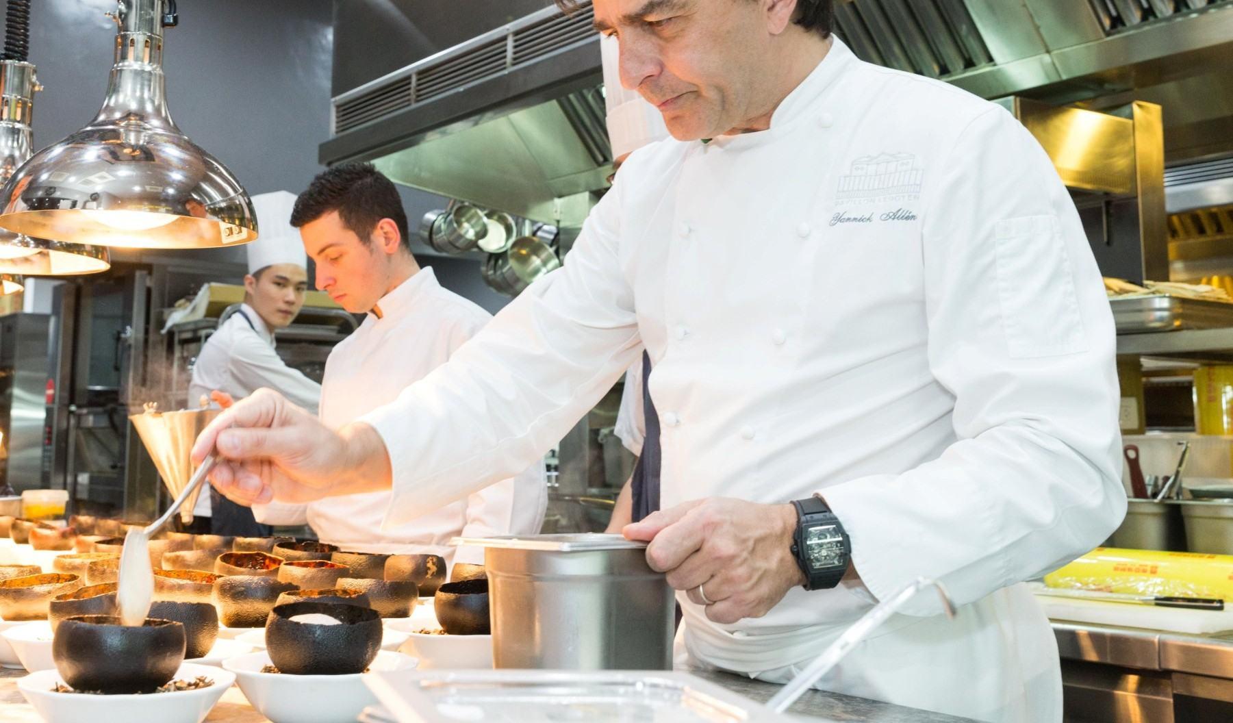 宇舶錶品牌大使、名廚亞尼克.亞蘭諾(Yannick Alléno)親自款待台灣宇舶錶貴賓