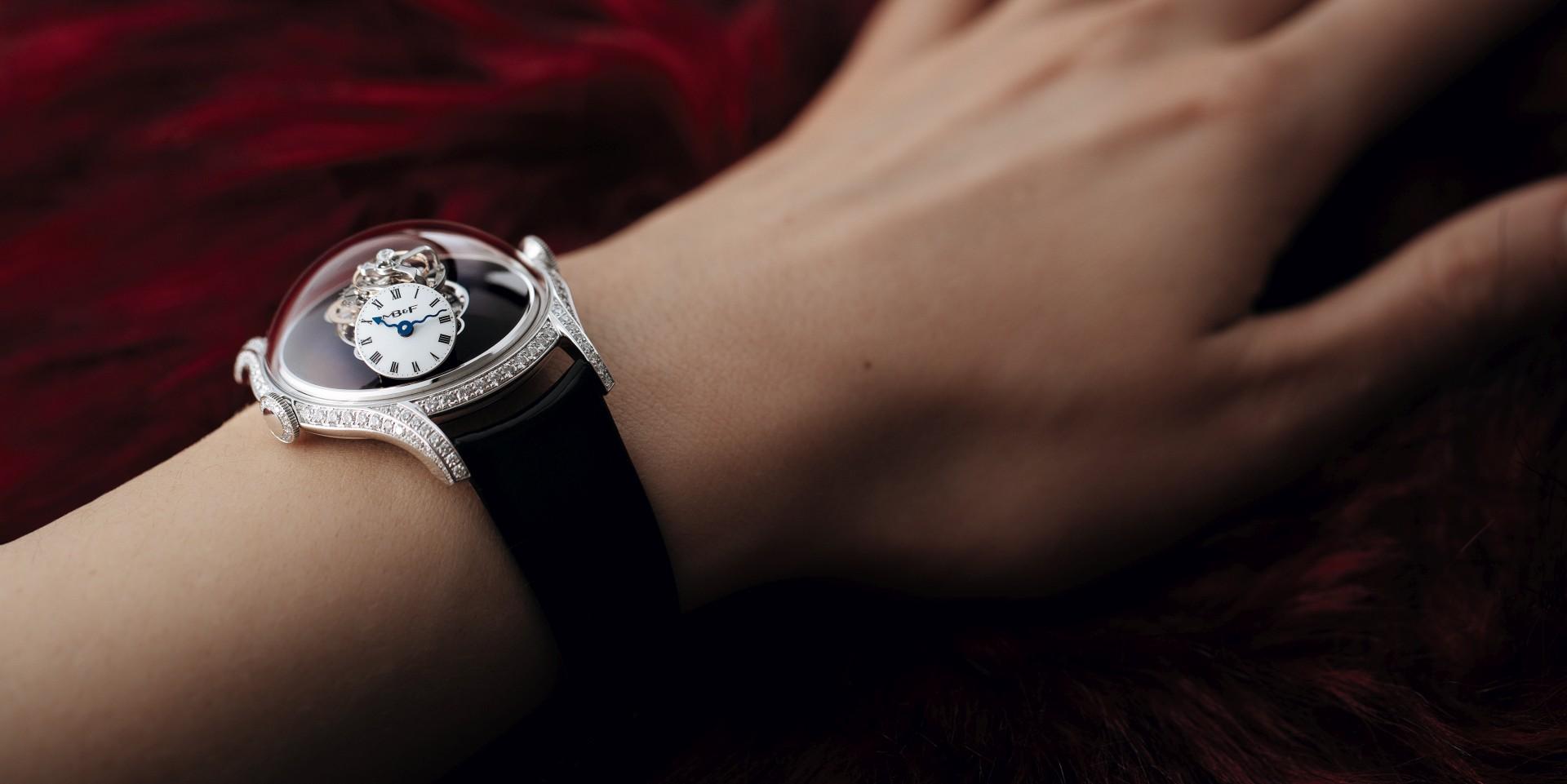 優雅而富感染力的女性力量:MB&F發表品牌第一款女性腕錶―Legacy Machine FlyingT