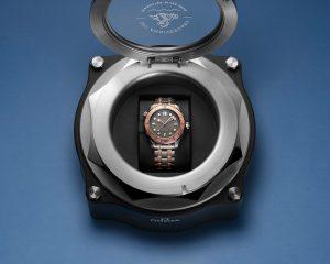 絕無僅有的金屬錶殼材質組合:歐米茄推出海馬潛水300米系列鈦鉭限量版腕錶