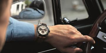 時光行者的賽車風範:Montblanc TimeWalker