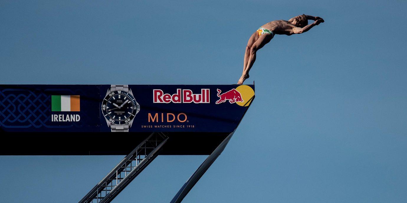 MIDO美度表攜手Red Bull懸崖跳水全球系列賽,#BeSuperPrecise線上預測賽事贈錶迷海洋之星