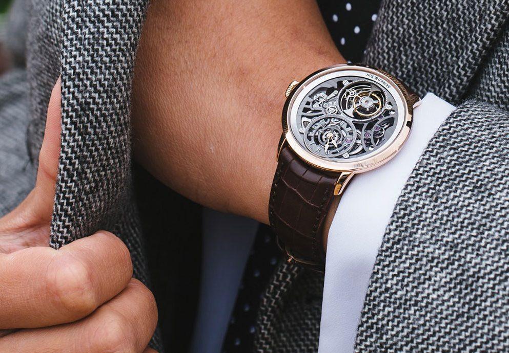 鏤空與對稱之美:Arnold & Son UTTE鏤空陀飛輪腕錶