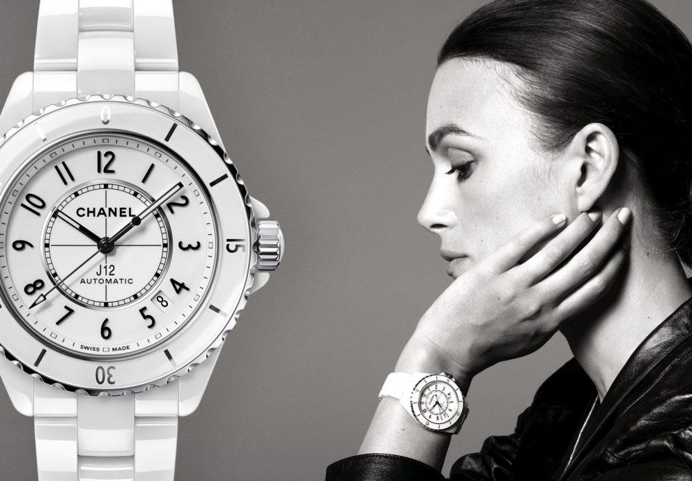 掌握人生的重要時刻:CHANEL全新J12腕錶