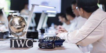 手工造就經典:IWC呈獻頂級製錶課程,兼賞AMG極致性能饗宴