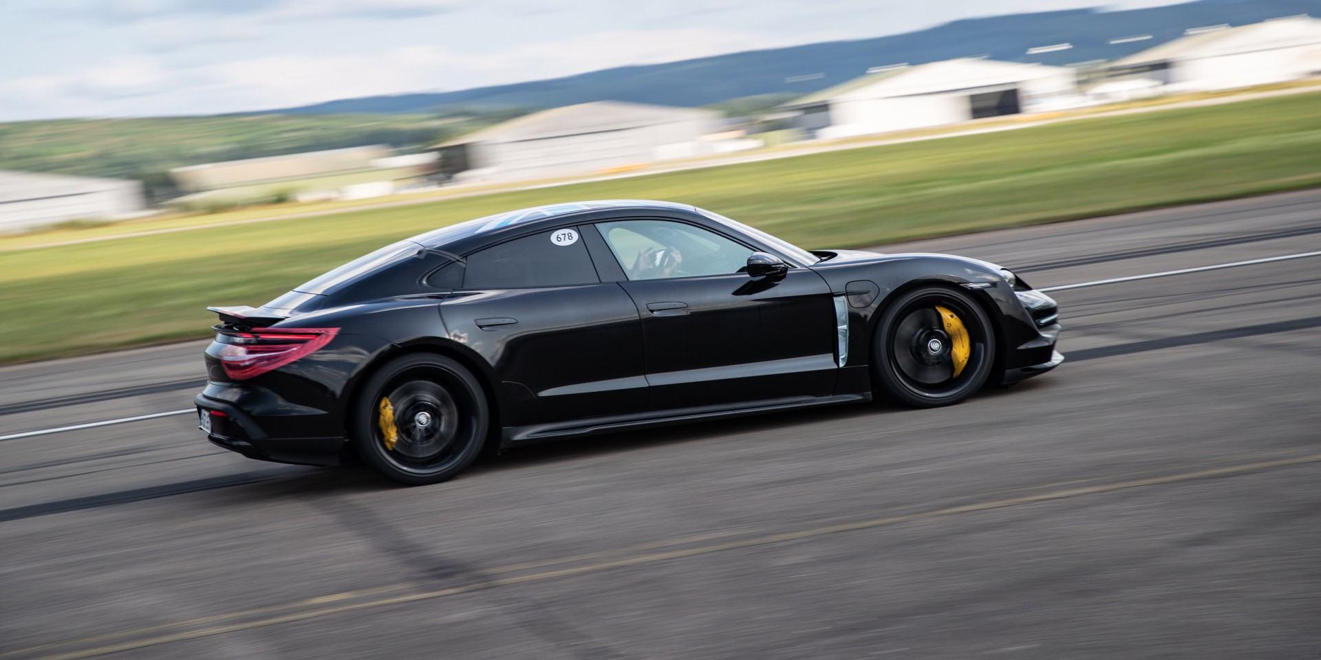 純電猛獸來襲:Porsche全新純電跑車Taycan 預購專案接單破700張,全球亮相倒數計時中