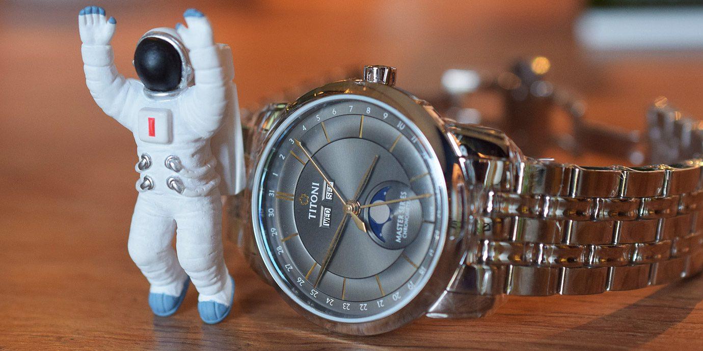 迎接雙重里程碑之作:TITONI大師系列月相錶