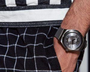 萬元有找,入手創新游絲!Swatch SISTEM 51 IRONY搭載Nivachron™游絲