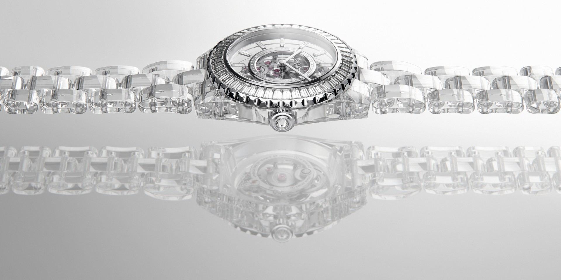 【2020線上錶展】前所未有的穿透感:CHANEL 全新 J12 X-RAY 腕錶