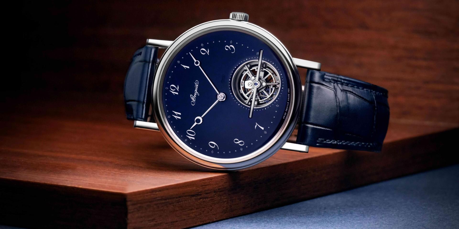 經典陀飛輪+雋永深藍色裝飾:寶璣Classique Tourbillon Extra-Plat Automatique 5395藍色大明火琺瑯陀飛輪腕錶