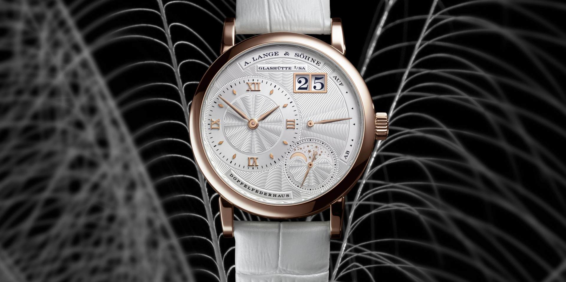 母親的愛像月亮:朗格Little Lange 1 Moon Phase