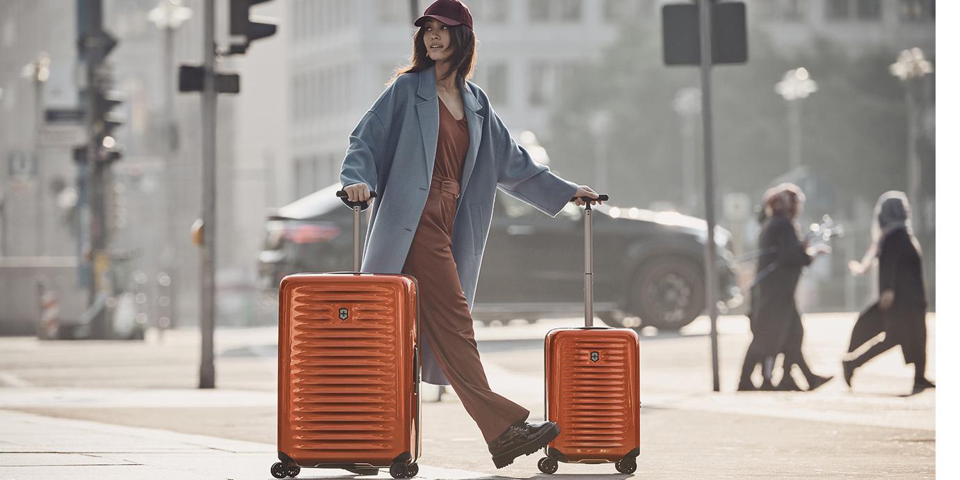Victorinox輕旅行 硬殼箱繽紛好型