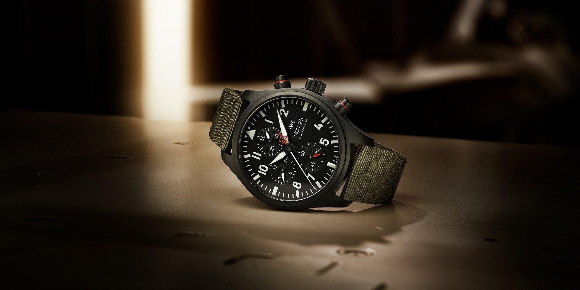 IWC推出黑色陶瓷及瓷化鈦金屬打造的飛行員系列TOP GUN海軍空戰部隊計時腕錶「SFTI」特別版