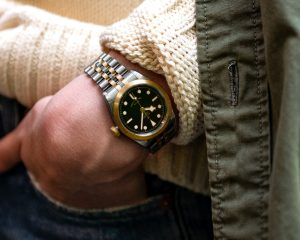 細膩柔美與大方的結合:TUDOR Black Bay 32 S&G黃金鋼款腕錶