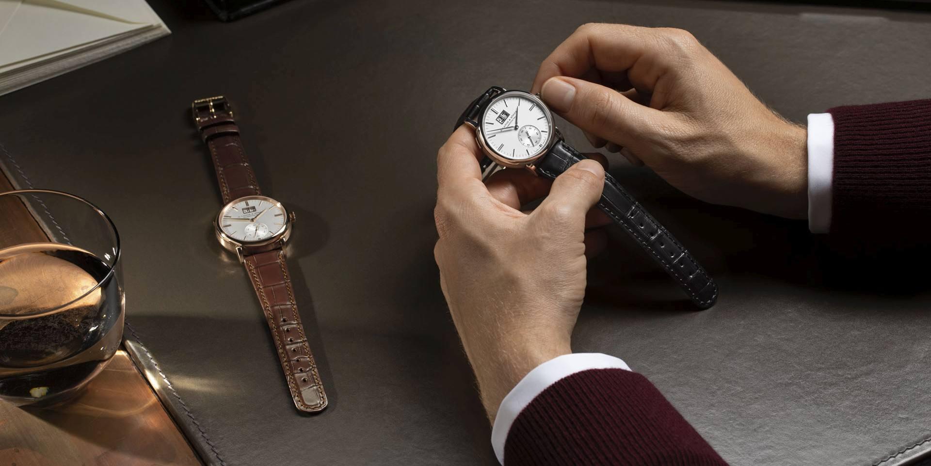 優雅大度新典範:朗格 Saxonia Outsize Date 銀白色錶盤款式