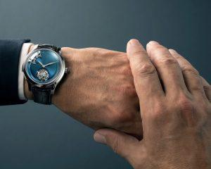 頂級複雜功能 風格之作:H. MOSER & CIE.亨利慕時勇創者三問報時陀飛輪概念腕錶