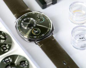 創新直覺的色彩報時: Ressence Type 1 Squared X 腕錶