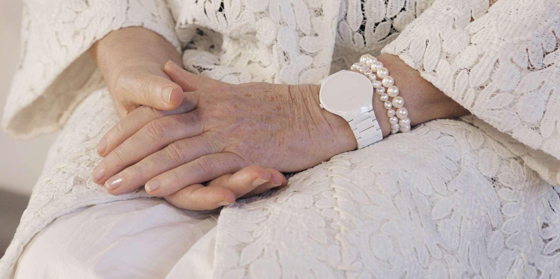 寧靜真實的宣言:True Thinline真我超薄系列高科技陶瓷Stillness特別版腕錶