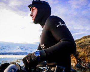 自由潛水冠軍Morgan Bourc'his與Tudor Pelago泳闖挪威峽灣