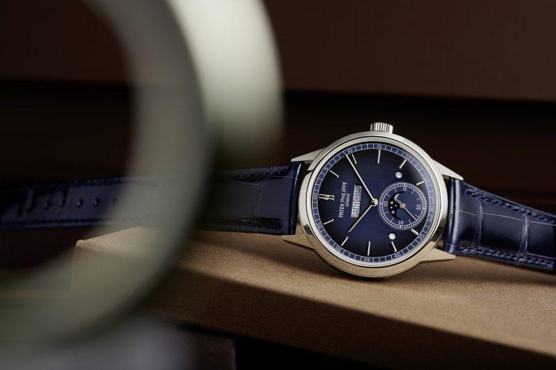 【2021線上錶展】百達翡麗發表全新 5236P-001 並列顯示萬年曆腕錶,星期日月一線陳列