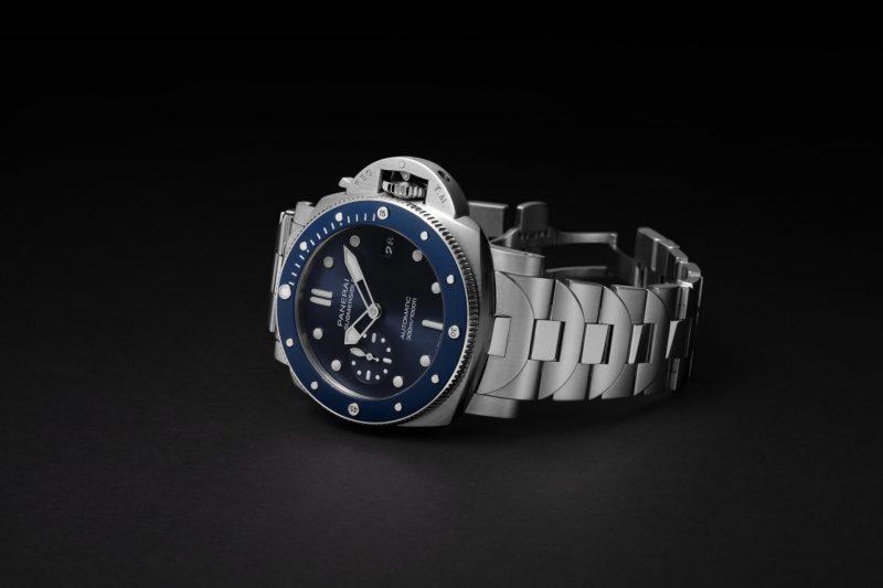 沛納海Submersible Blu Notte專業潛水腕錶,全新錶鏈設計兼融動感態度和精緻細節