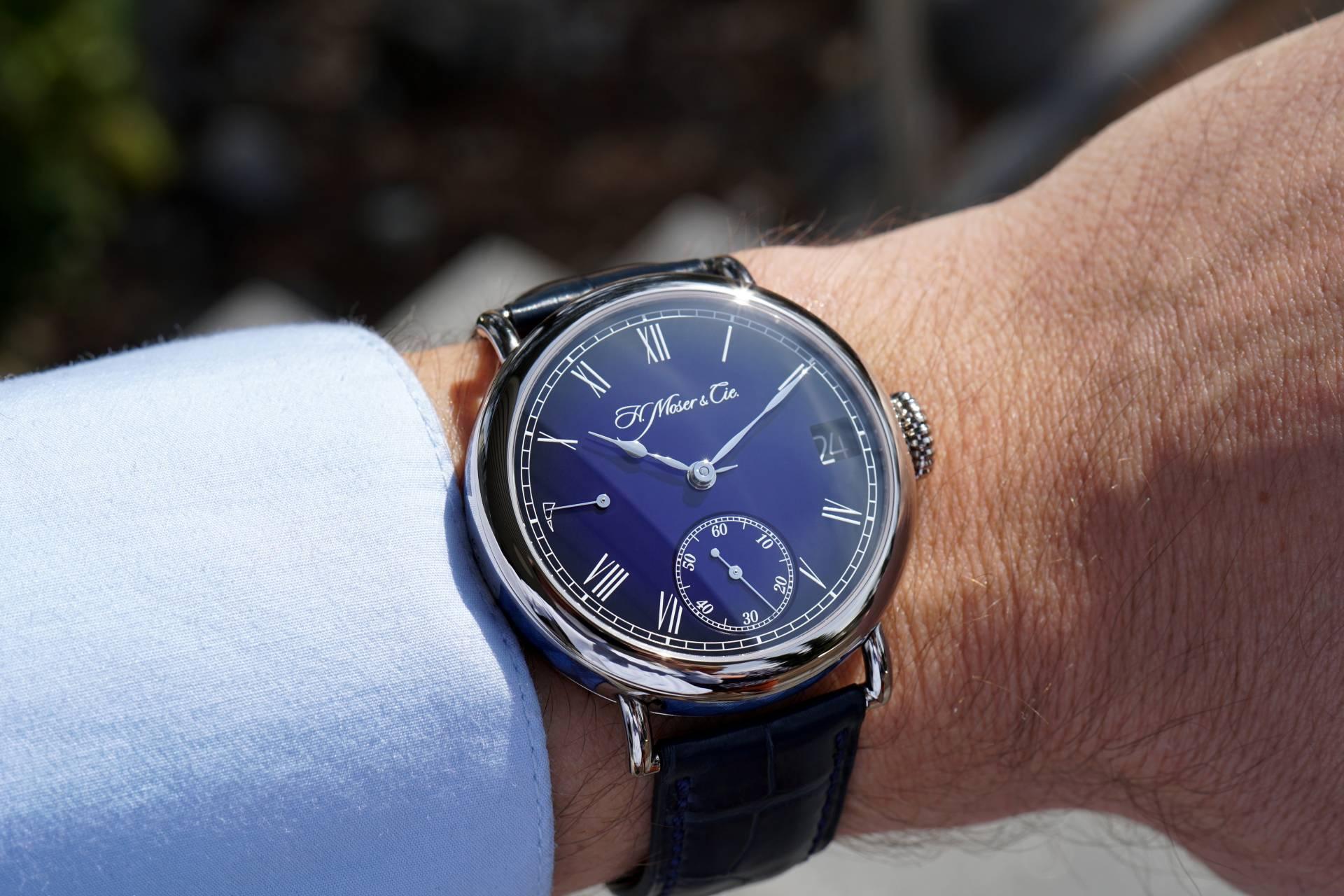 傳承經典,弘揚傳統:H. Moser & Cie.以Heritage傳承者萬年曆午夜藍琺瑯腕錶致敬優雅